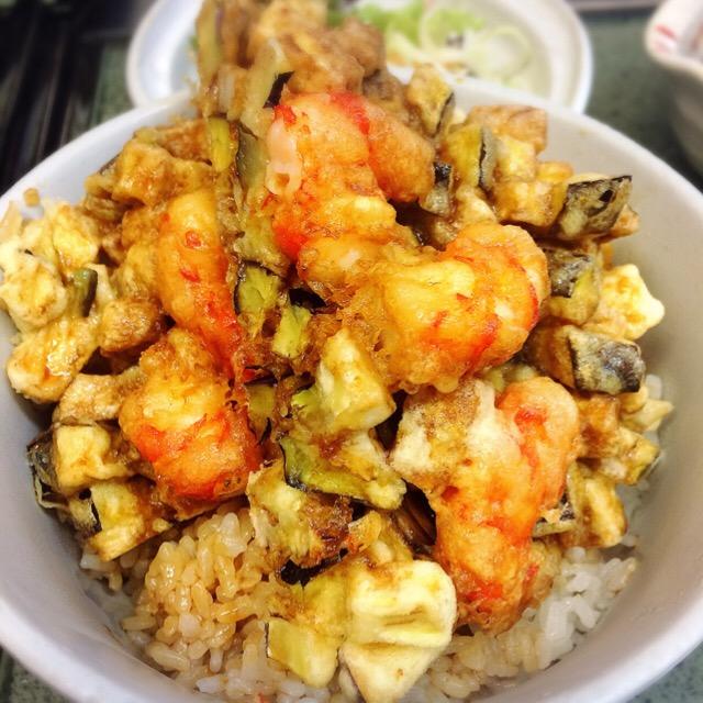 海老と旬野菜のかき揚げ丼の画像
