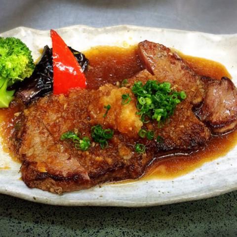 牛ステーキ定食の画像